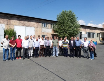Sending delegation of Iranian businessmen to Armenia